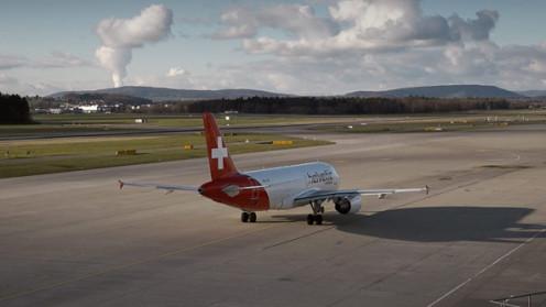 Flugzeug von Helvetic Airways
